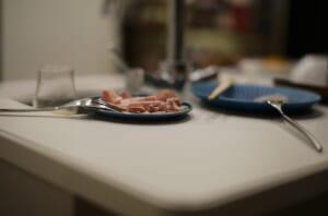 自宅のスタンディングテーブルと前菜