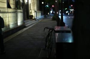 綿業会館のそばで撮影した愛用自転車