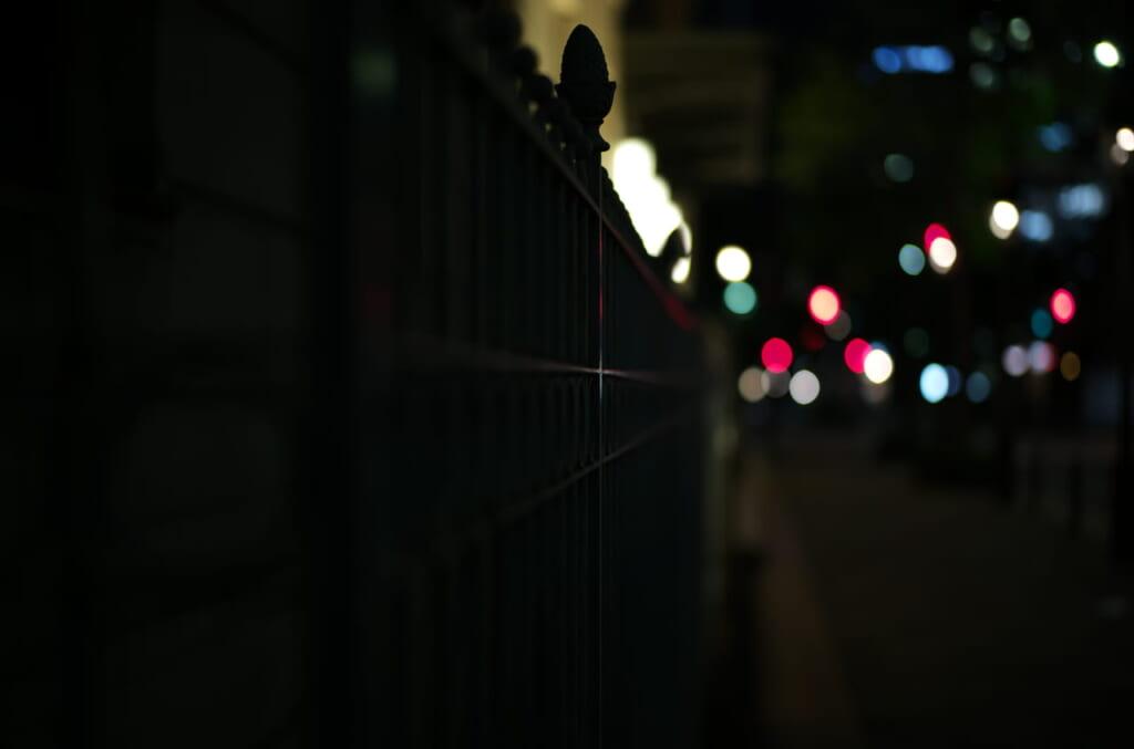 夜に撮影した大阪の綿業会館
