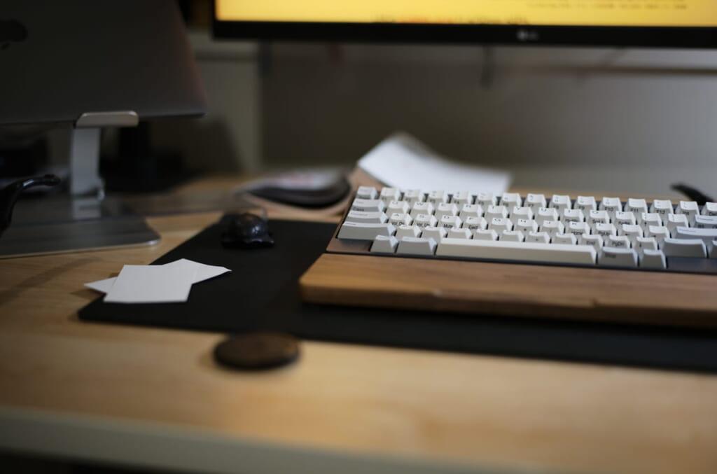 HHKBのキーボードとパームレスト