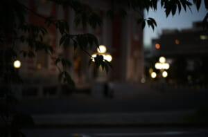 ボケを意識して撮影した中之島公会堂のライト