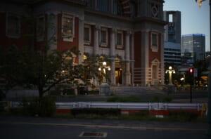 夕方の中之島公会堂の写真