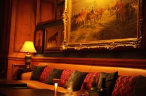 ライカで撮影したリッツカールトンのバーの個室