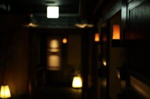 ライカで撮影した但馬屋心斎橋の廊下