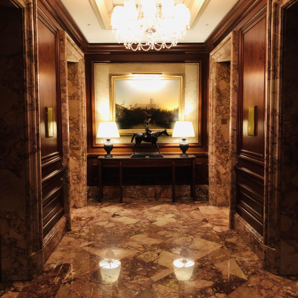 リッツカールトンのエレベーター前の風景