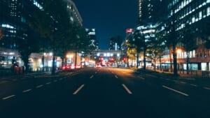 道路上で撮影した御堂筋の夜景
