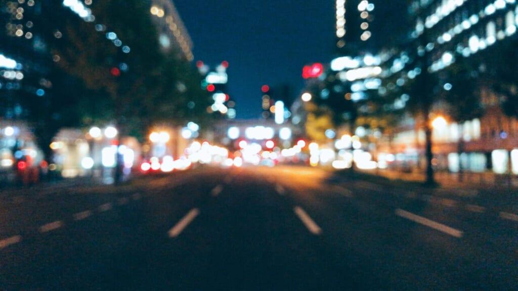 御堂筋の夜景をボカした写真
