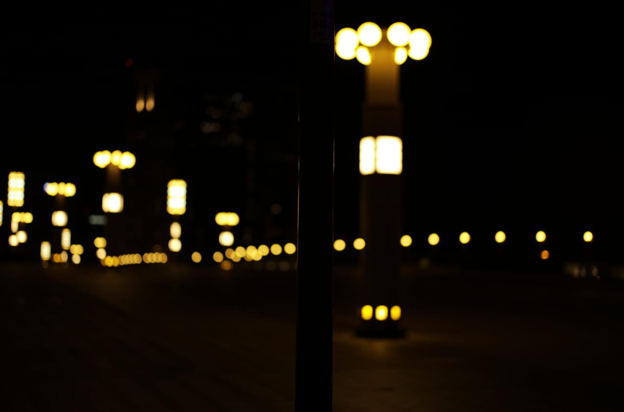 素晴らしい夜景と橋のライト