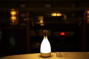暗闇に映える美しいテーブルライト