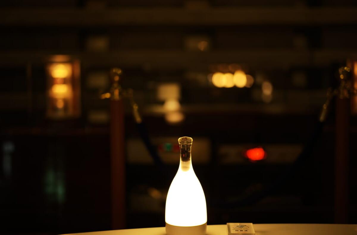 雅樂倶で撮影したおしゃれなテーブルライト