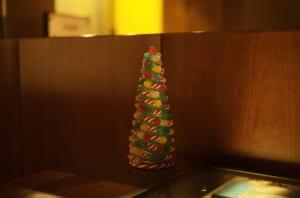 飴細工で作られたクリスマスツリー