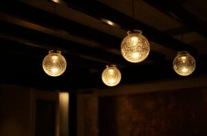 旅館の部屋の素敵な間接照明