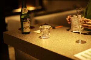 素敵な旅館で撮影した間接照明と日本酒