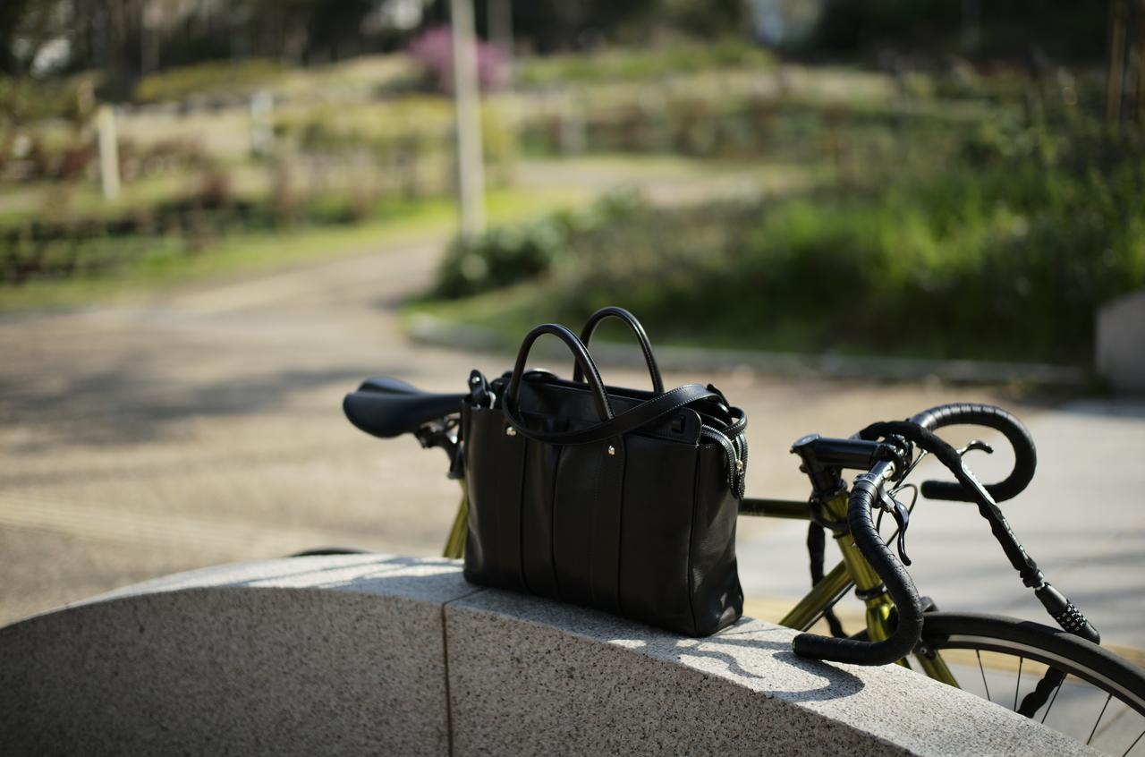 美しい万双バッグと自転車