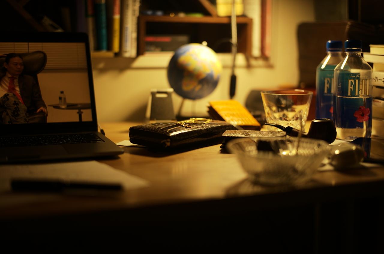 美しい書斎の地球儀