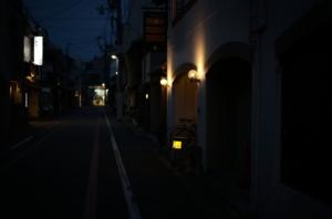 夜に撮影した京都の通り