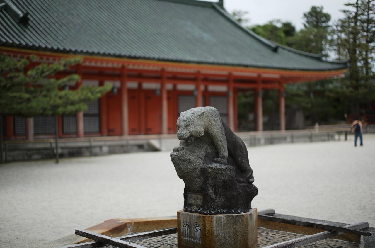 平安神宮の石像